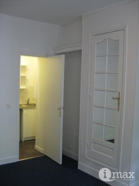 Sale apartment Paris 17ème 210000€ - Picture 1