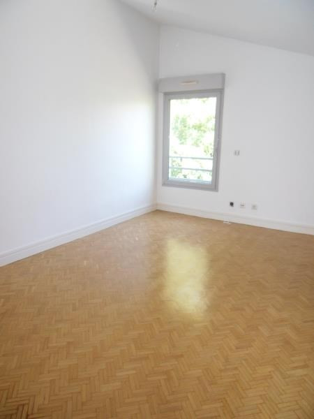 Rental apartment Ste foy les lyon 1 544€ CC - Picture 6
