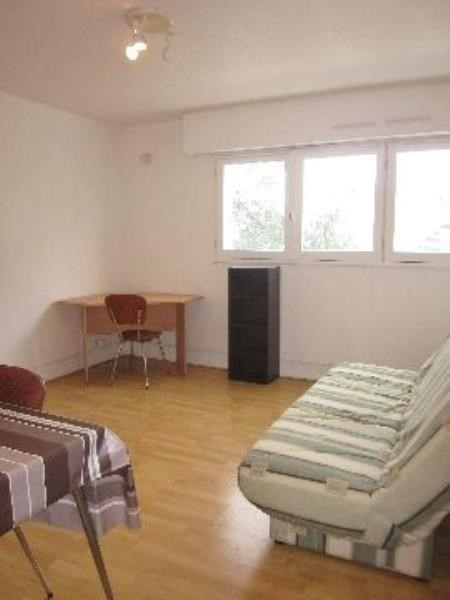 Rental apartment Pau 325€ CC - Picture 1