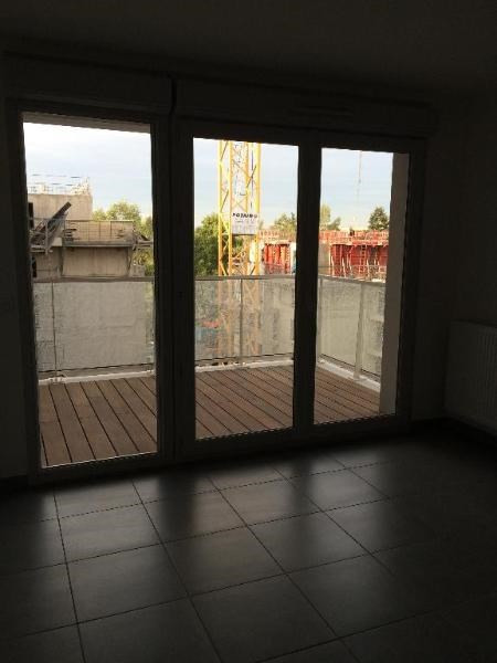 Location appartement Bron 559€ CC - Photo 2