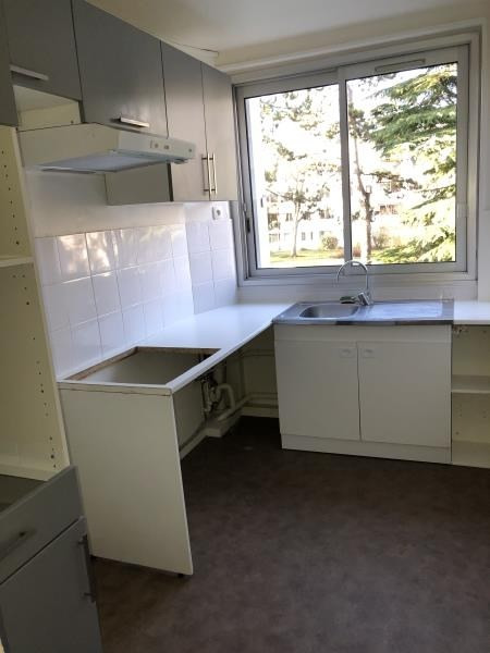 Rental apartment Marly le roi 1165€ CC - Picture 2
