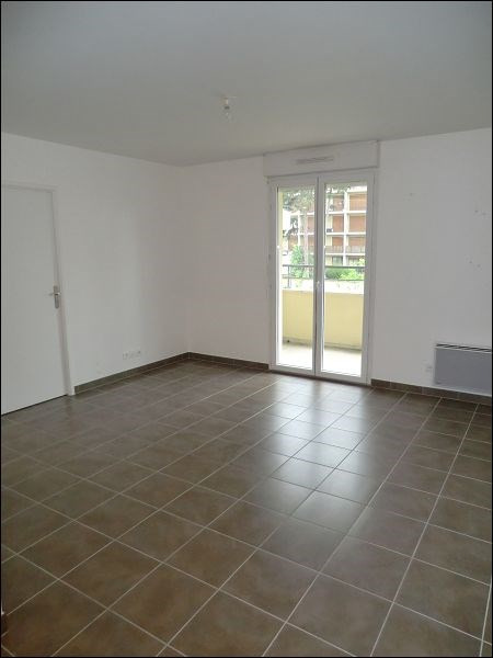 Location appartement Viry-chatillon 759€ CC - Photo 3