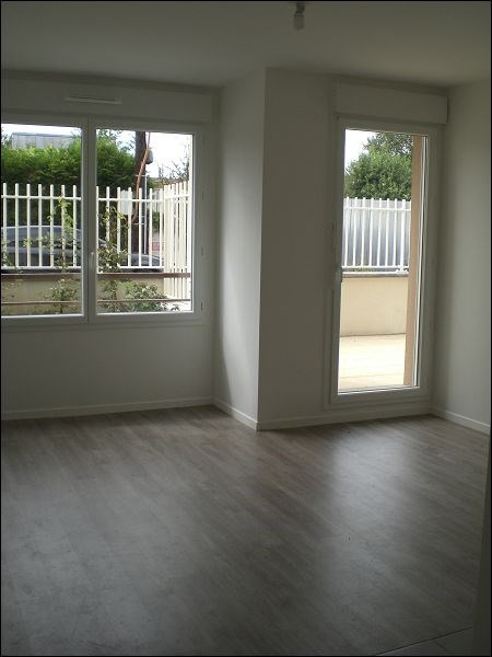 Rental apartment Athis mons 791€ CC - Picture 2