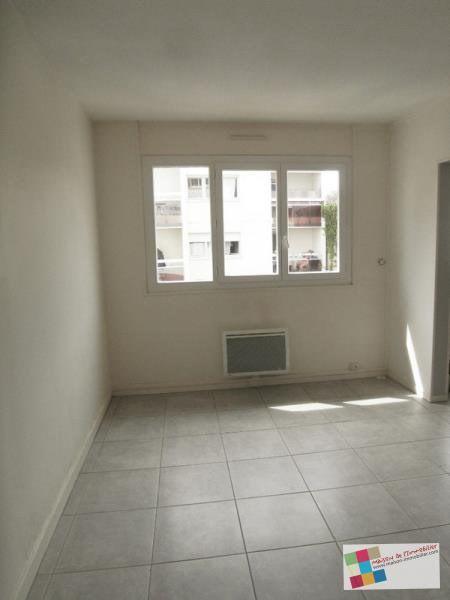 Rental apartment Cognac 570€ CC - Picture 2