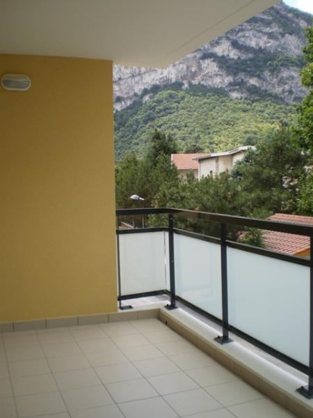 Location appartement Sassenage 980€ CC - Photo 3
