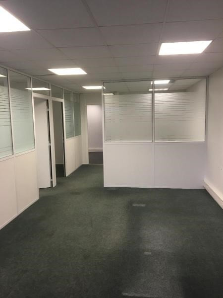 Location boutique Merignac 2 940€ CC - Photo 2