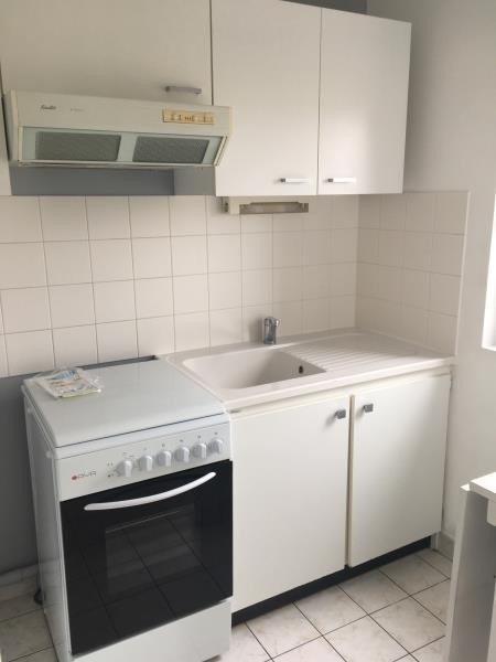 Rental apartment Vendome 366€ CC - Picture 2