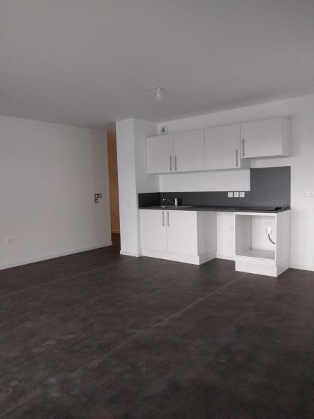 Location Appartement 3 Pièces à Nantes 676 M² Avec 2 Chambres à