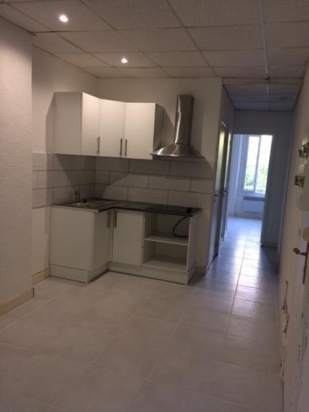 Rental apartment Fuveau 650€ CC - Picture 6