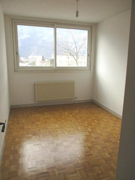 Location appartement Fontaine 600€ CC - Photo 7