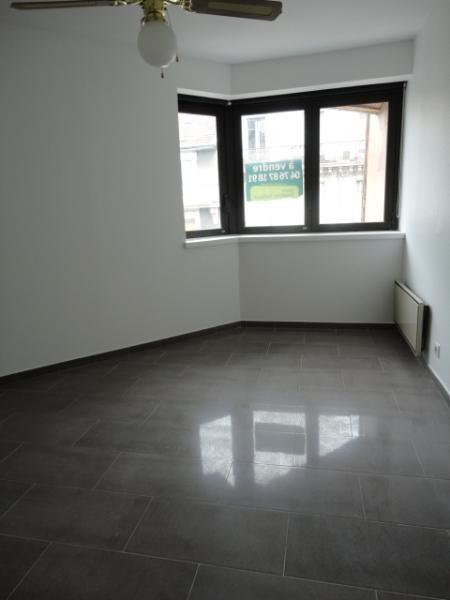 Location appartement Grenoble 660€ CC - Photo 3