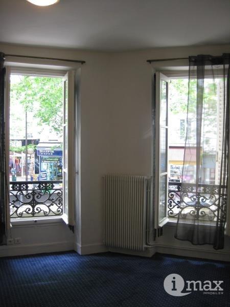 Sale apartment Paris 17ème 210000€ - Picture 2