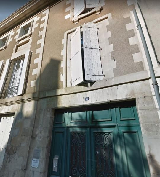 Location appartement Poitiers 837€ CC - Photo 1