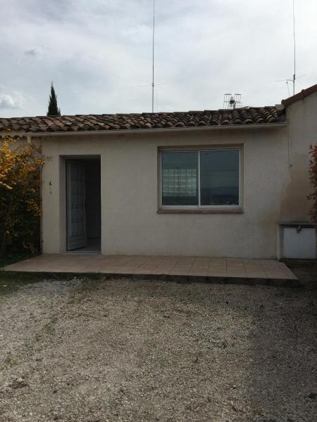 Rental apartment Meyrargues 651€ CC - Picture 1