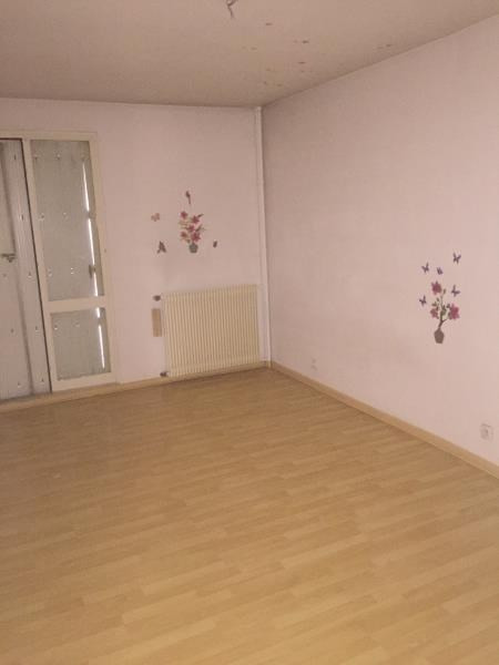 Rental apartment Nimes 778€ CC - Picture 3
