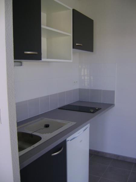 Rental apartment Sete 604€ CC - Picture 3