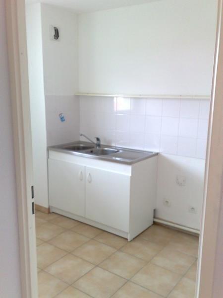 Rental apartment Seilh 630€ CC - Picture 5