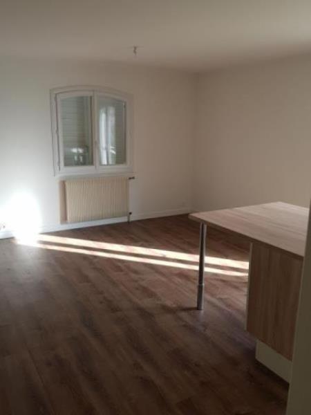 Vente maison / villa Neuville du poitou 152000€ - Photo 3