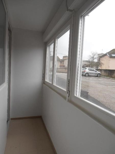 Rental apartment Oyonnax 375€ CC - Picture 7
