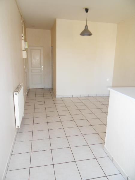Verhuren  appartement Sathonay camp 597€ CC - Foto 2