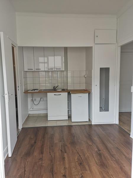 Location appartement Montrouge 820€ CC - Photo 2