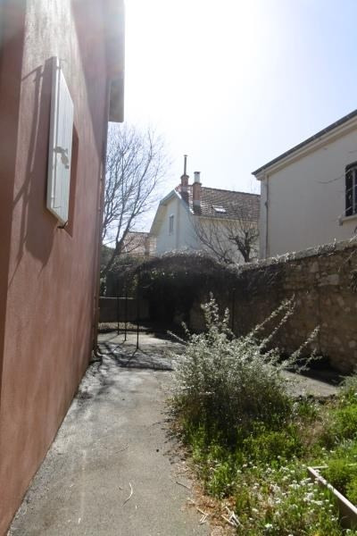 Location maison / villa Aix en provence 2377€ CC - Photo 5