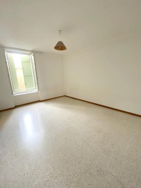 Rental apartment Orgon 530€ CC - Picture 1