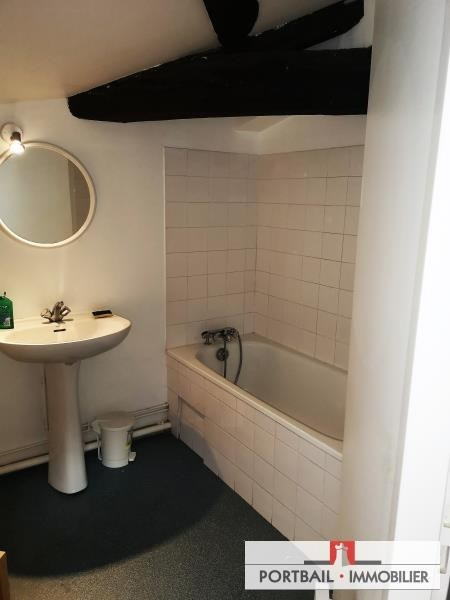 Location appartement Blaye 340€ CC - Photo 3