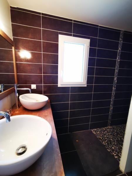 Sale house / villa St laurent d'arce 242500€ - Picture 5