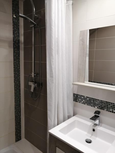 Sale apartment Fontenay le fleury 230000€ - Picture 5