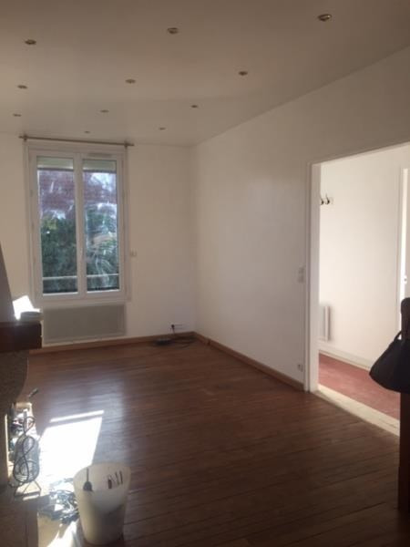 Rental house / villa Nanterre 1 700€ CC - Picture 2