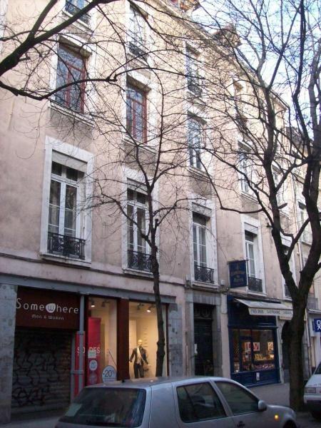 Location appartement Grenoble 403€ CC - Photo 1