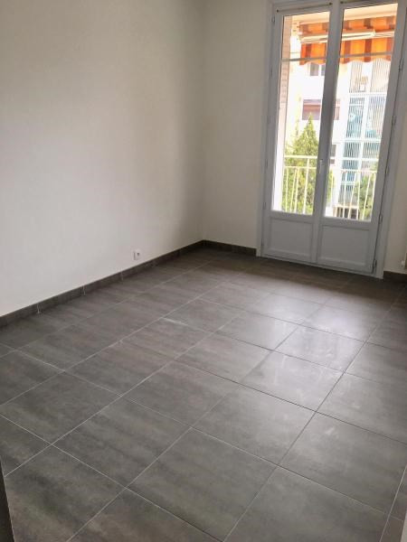 Location appartement Aix en provence 1 075€ CC - Photo 4