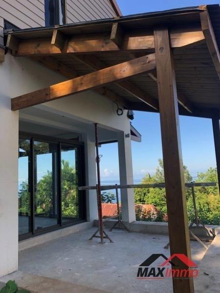Vente maison / villa Les avirons 355000€ - Photo 4