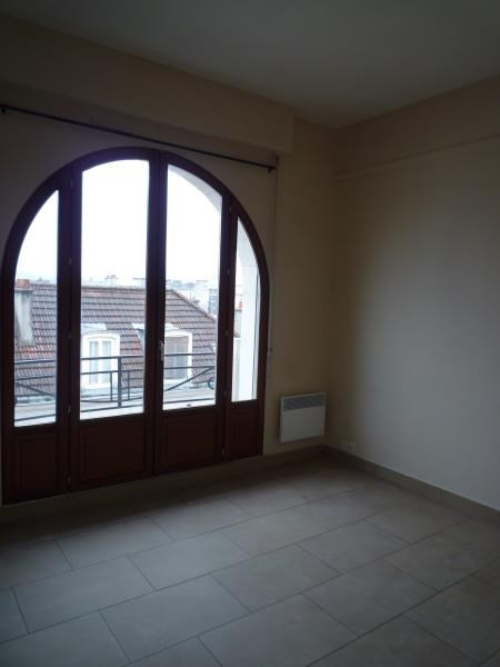 Rental apartment Le raincy 660€ CC - Picture 2