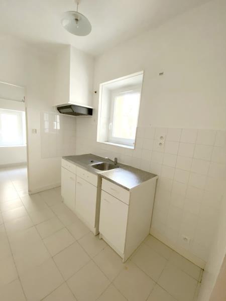 Rental apartment Orgon 530€ CC - Picture 2