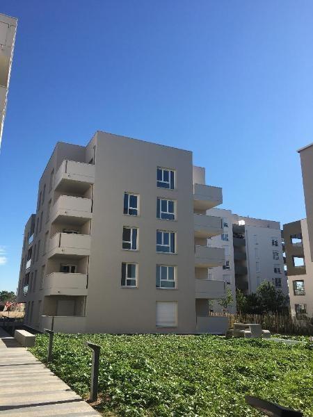 Rental apartment Vaulx en velin 647€ CC - Picture 1