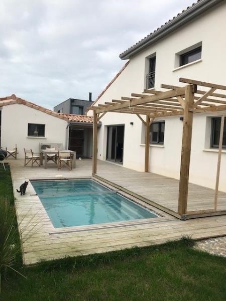 Deluxe sale house / villa Chatelaillon plage 685000€ - Picture 1