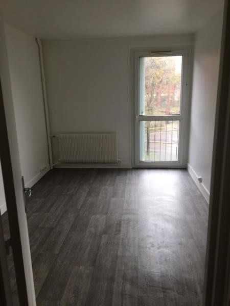 Location appartement Plaisir 875€ CC - Photo 3