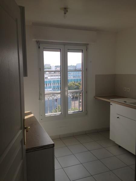 Rental apartment Poissy 828€ CC - Picture 2