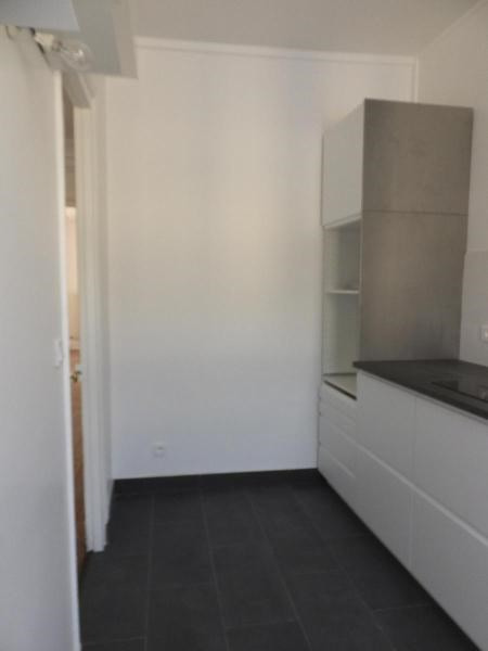 Location appartement Paris 9ème 2 410€ CC - Photo 8