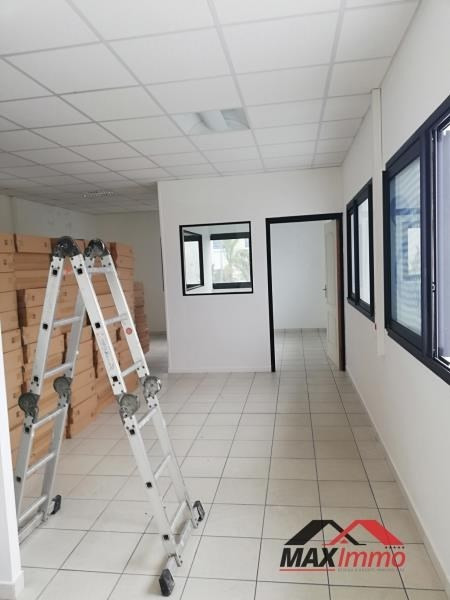 Location local commercial St andre 850€ HT/HC - Photo 1