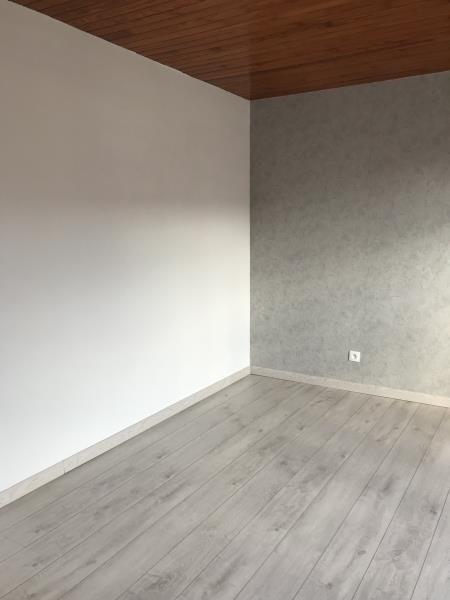 Affitto casa Ourches 945€ CC - Fotografia 9