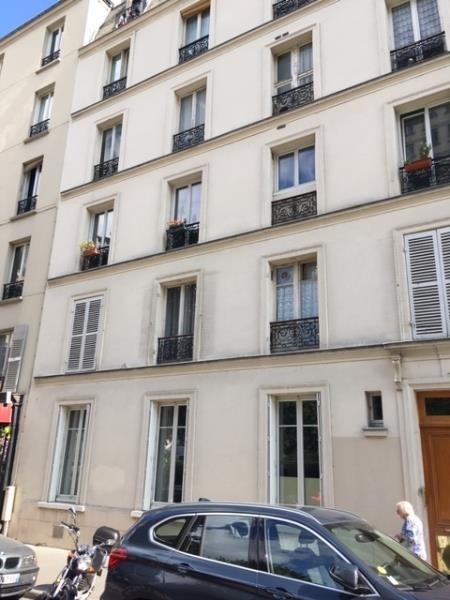 Rental apartment Paris 12ème 1250€ CC - Picture 1