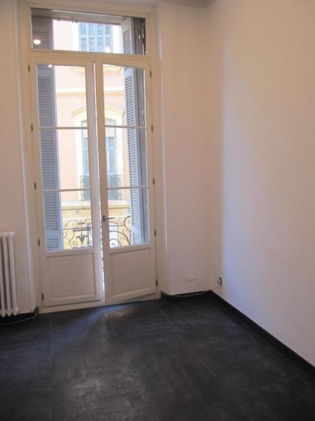 Rental empty room/storage Aix en provence 2 585€ CC - Picture 5