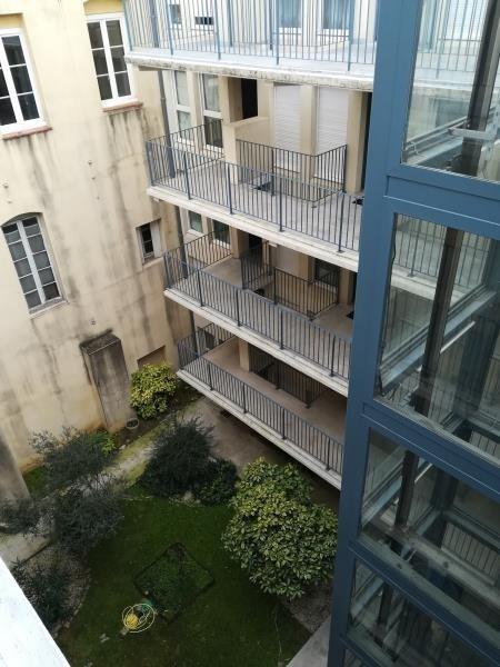Affitto appartamento Nimes 430€ CC - Fotografia 2