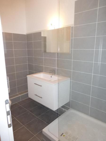 Location appartement Aix en provence 865€ CC - Photo 2