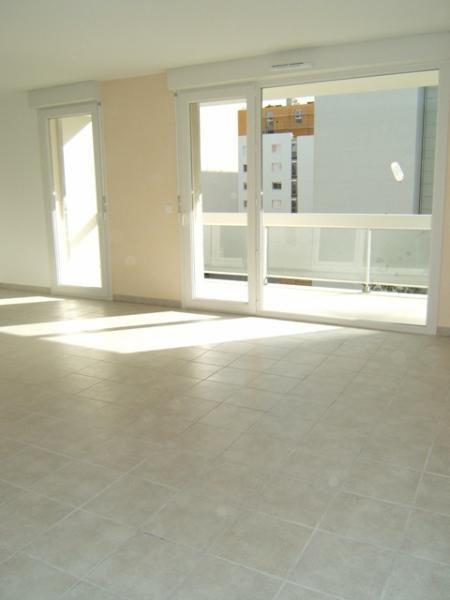Location appartement Grenoble 762€ CC - Photo 2