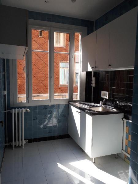 Location appartement Paris 18ème 1300€ CC - Photo 5