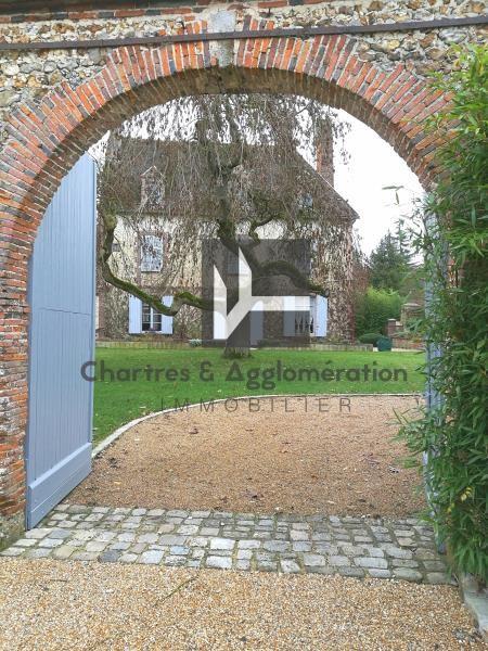 Sale house / villa Senonches 518800€ - Picture 1